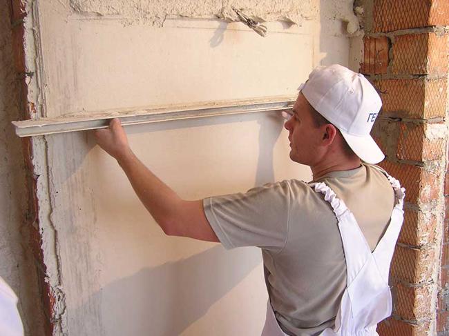 самостоятельно выровнять стены в квартире